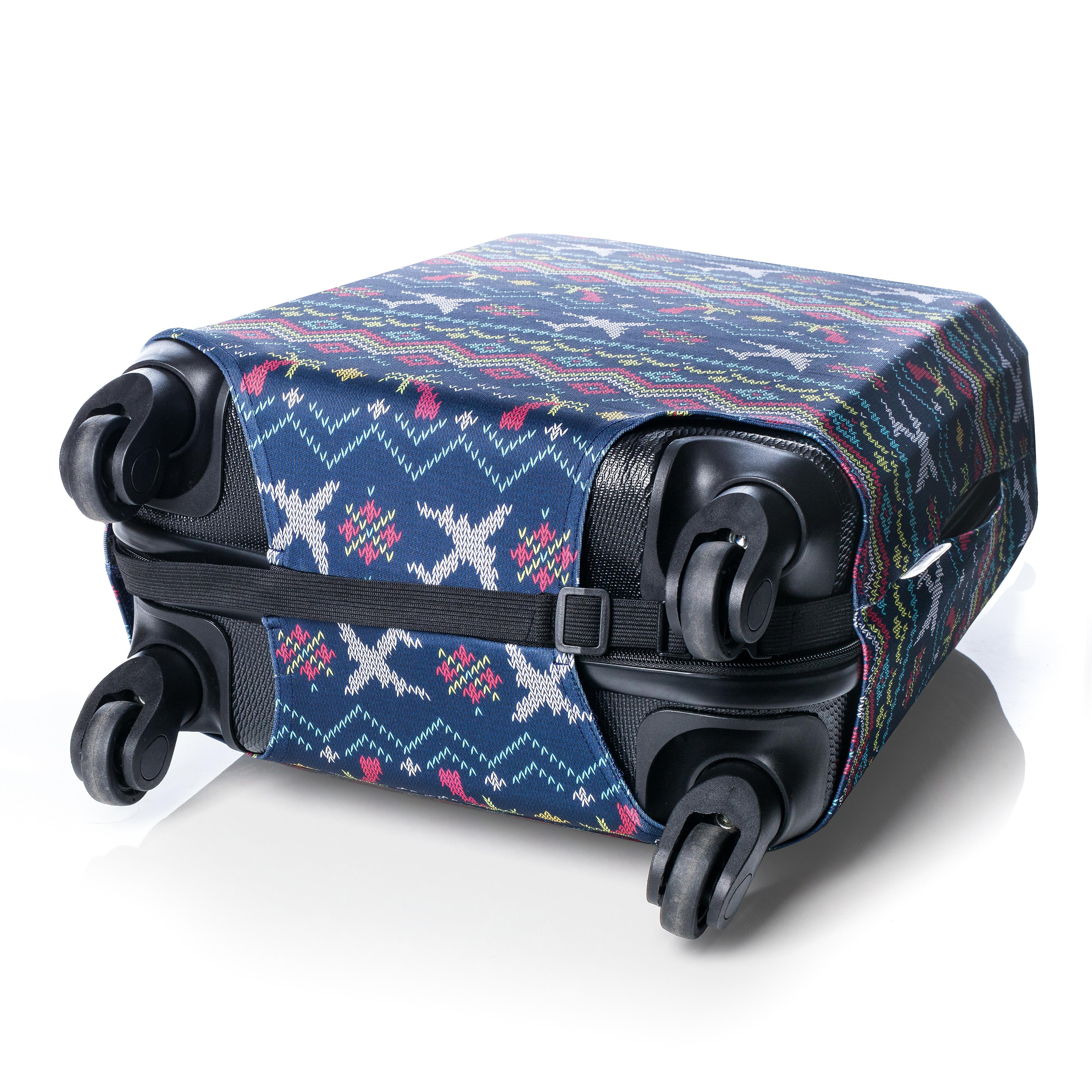отверстия для колес в чехле на чемодан