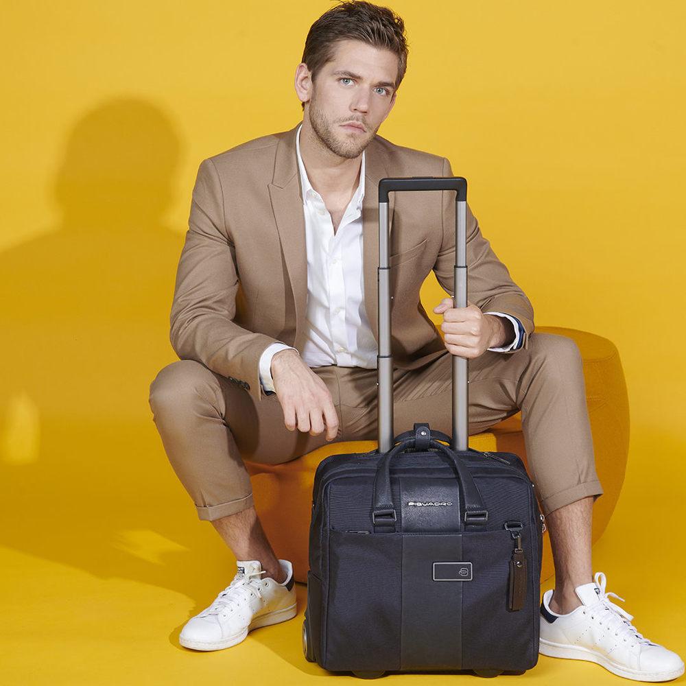 размер чемодана m
