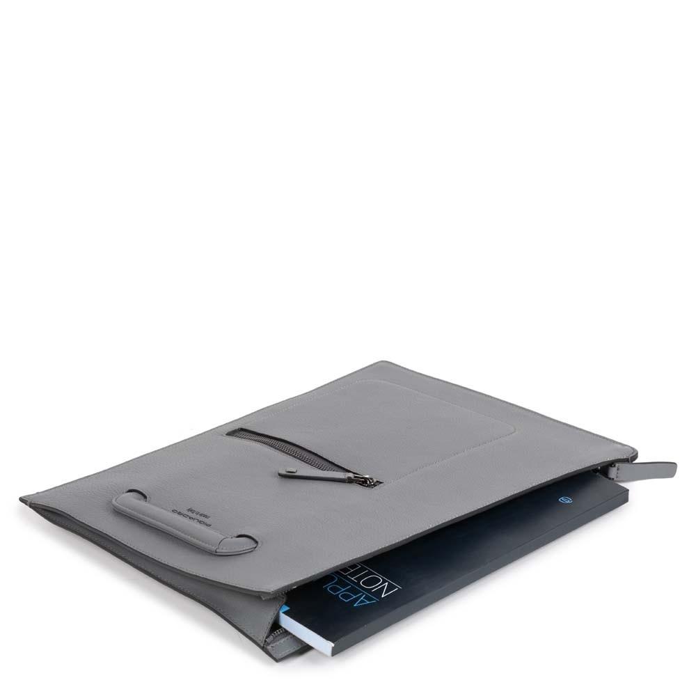 07b0e9cd2c04 Папка Piquadro AC4099W86/BLU с ручками кожаная синяя. Коллекция. David.  АртикулAC4099W86/BLU; Материал. Кожа. Размеры. 38 x 28 x 2 см